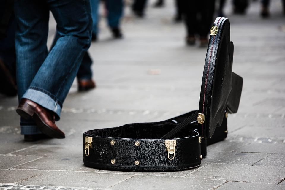 guitar-case-485112_960_720-1