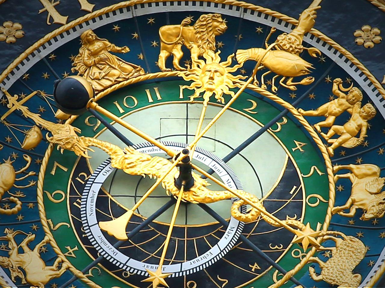 astronomical-clock-408306_1280